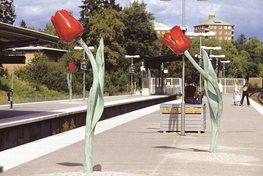 Högdalens tunnelbanestation, 2002
